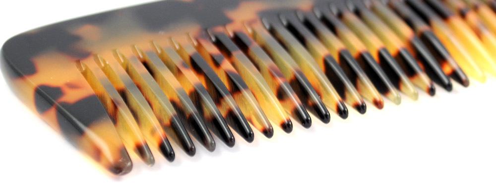 Eleganter gesägter Frisierkamm - 18 cm